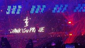 Report: The Chainsmokers ukázali, jak vypadá DJ set zmixovaný s koncertem. A maminky nechápaly