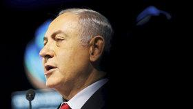 Netanjahu v potížích. Prokurátor obviní izraelského premiéra z korupce