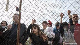Češi jsou otevřenější k přijímání uprchlíků, vstřícnější jsou hlavně k ukrajinským