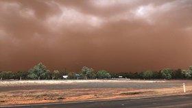 To ještě nezažili: Australské město se ztratilo ve víru oranžového prachu