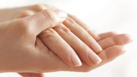 7 věcí, které se vám snaží říct nehty o vašem zdraví