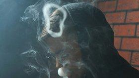 V Česku zkouší kouřit každý druhý školák. Expert: Děti lákají obláčky z e-cigaret