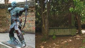 Anglie: Úřady chtějí zrušit a zastavět hrob Robina Hooda, místní se bouří