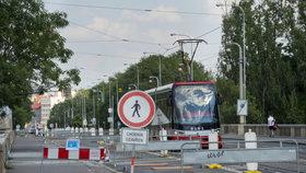 Budoucnost Libeňského mostu: Praha neví, jak v případě bourání spojit Libeň s Holešovicemi