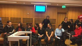 Soud se squattery: Za obsazení Šatovky dostali 50 hodin obecně prospěšných prací, odvolali se