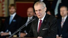 """Čučkaři, zmr*i a závistiví trpaslíci: Zeman letos opět """"perlil"""", kdo se k němu přidal?"""