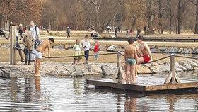 Tříletá holčička se topila v rybníku ve Stromovce! Život jí zachránily dvě ženy