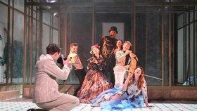 Dorian Gray ožil ve Švandově divadle jako lovec zážitků
