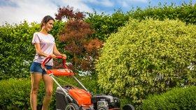 Chcete krásný trávník? Začněte s péčí co nejdříve