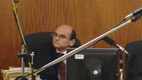 Razie na Vrchním soudu v Praze: Obvinili soudce Elischera, měl brát úplatky od Vietnamců