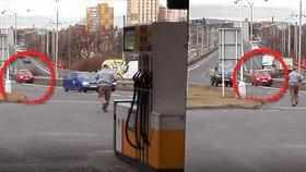 Ukradli mi auto, křičel muž na benzince v Chomutově. Měl ho »zaparkované« ve svodidlech