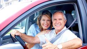 Odjíždíte na dovolenou autem? 4 rady, jak přežít cestu ve zdraví