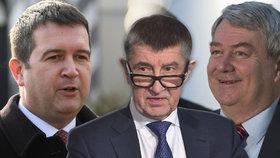 Vláda nejspíš přežije, míní politologové. Co bude klíčové pro další osud ČSSD?