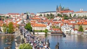 V Česku je nejvíc lidí od druhé světové války. Přibylo i 28 tisíc migrantů
