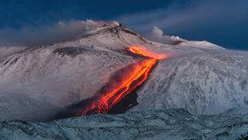 Ve Středomoří hrozí tsunami. Sopka Etna se potápí, zdevastuje dovolenkové ráje?