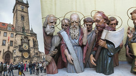Apoštolové se vrátili domů: Atributy jim zůstaly, práce na Staroměstském orloji finišují