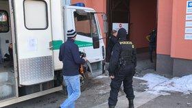 Razie na stavbě v Praze 6: 65 cizinců pracovalo nelegálně, většina bude muset opustit republiku