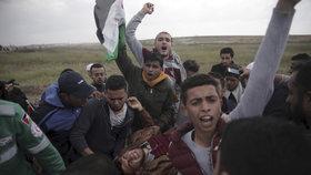 Provokují nás protesty, peskuje Izrael Hamás. V Pásmu Gazy zemřelo 16 lidí