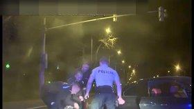 Pirátka silnic (20) ujížděla policistům 25 km: Zkolabovala na volant, probralo ji řinčení skla