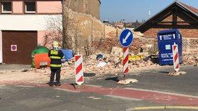 Zřícená zeď v Radlicích zabila muže (†42): Osm lidí po roce znovu u soudu! Objekt prý zanedbávali