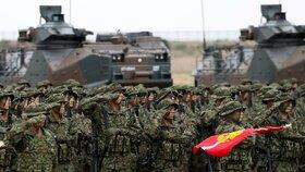 """Japonsko má první """"mariňáky"""" od druhé světové války: Chce odradit Čínu od invaze"""