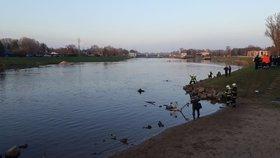 U Čelákovic se utopil muž. Jde o druhé podobné neštěstí během měsíce