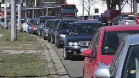 Potíže na pražských úřadech: Na desítky minut vypadl systém na vydávání parkovacích oprávnění