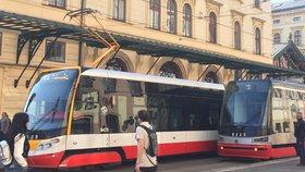 Velké omezení v centru Prahy: Na Poříčí tři týdny nepojedou tramvaje, zastávky se přesunou