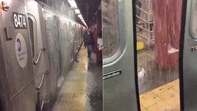 Newyorské metro zasáhla potopa. Lidé zírali z vagónů na proudy vody