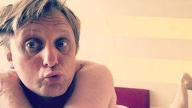 Tydýt Lukáš Pavlásek vyšpulil nahé půlky! Čauky mňauky instagramky