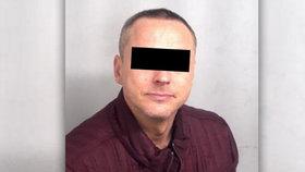 Čech (40) pašoval z Turecka 8 kilo opia! Chytli ho v Británii