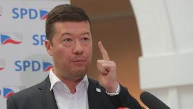 """Okamura se má omluvit. Web označil za """"žumpu"""" a spojil ho se Sorosem"""