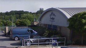 Tragédie ve sportovním centru: Chlapec (†3) se utopil v bazénu