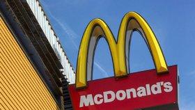Saláty McDonald's obsahovaly parazity. Nakazilo se přes 500 lidí