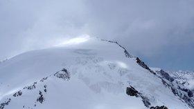V Alpách zemřelo kvůli počasí šest lidí. Tělo miliardáře ale stále nenašli
