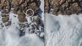 Tři děti na útesu spláchla pětimetrová vlna! Dramatický boj o život natočil dron