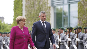 Merkelová čeká od Slováků vyřešení vraždy novináře Kuciaka a jeho snoubenky