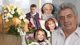 Pohřeb léčitele celebrit Havelky (†73): Slavní, které léčil, se na něj vykašlali!