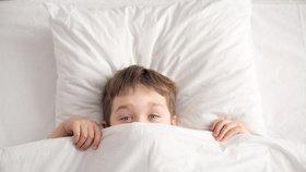Pomočování se u dětí: Jaké jsou příčiny a kdy jít k lékaři?
