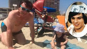 Tři bábovičky pro prince: Trávníček jako táta v plavkách, poprvé se synem u moře
