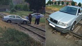 Brněnský opilec zaparkoval auto v kolejišti