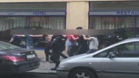 Místo nizozemských mlátiček zatkli policisté partu Izraelců. Nikdo nepochybil, ukázala vnitřní kontrola