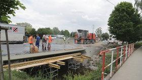 Rekonstrukce Českobrodské v plném proudu: Kudy a jak do Klánovic?