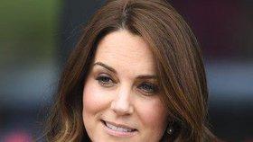 Vévodkyně Kate v šatech za pakatel? Jejich cena vás překvapí!