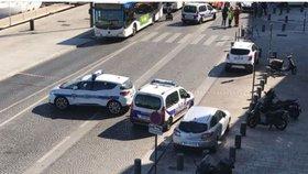 Ozbrojenci s kalašnikovy spustili přestřelku v Marseille. Policii unikli