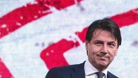 """Kandidát na premiéra si životopis """"vycucal z prstu"""". V Itálii je poprask"""