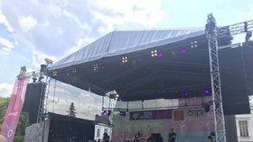 Na festival Mezi ploty přišlo 20 tisíc lidí: V Bohnicích se za víkend vystřídalo více než 120 umělců