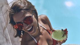 Mléko, aloe a ovesné vločky: Co dělat, když si spálíte záda nebo nos?