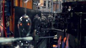 Sklárny Crystalite ve Světlé jsou na prodej. Co bude s 800 pracovníky?