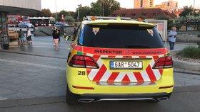 Smrt v metru na Strašnické: Pod vlak spadl člověk, soupravy obousměrně nejezdily